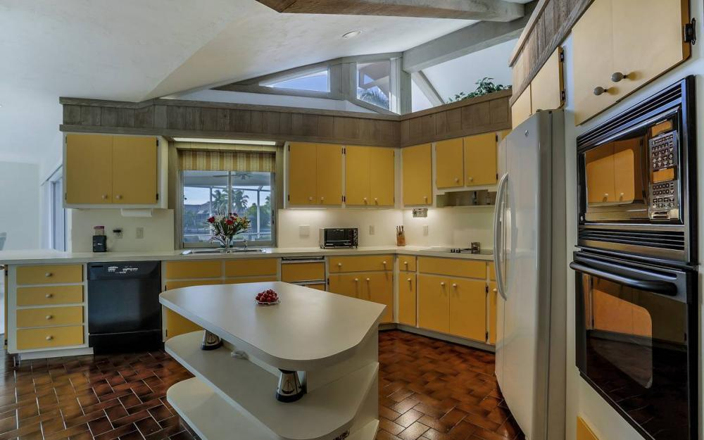 685 Cameo Ct, Marco Island - Waterfront Gulf Access Home For Sale 2107369869