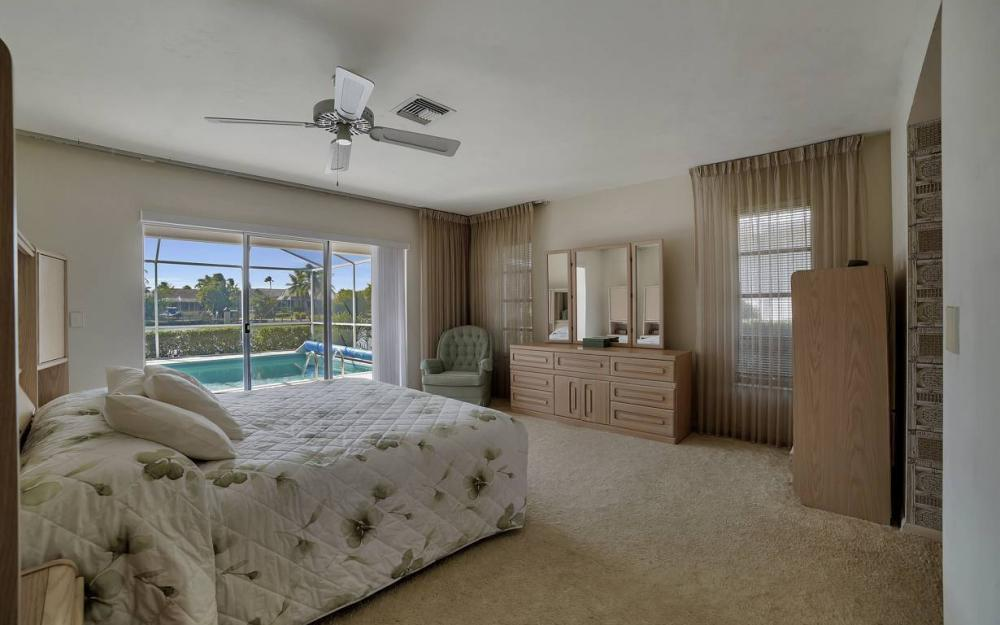 685 Cameo Ct, Marco Island - Waterfront Gulf Access Home For Sale 189581309