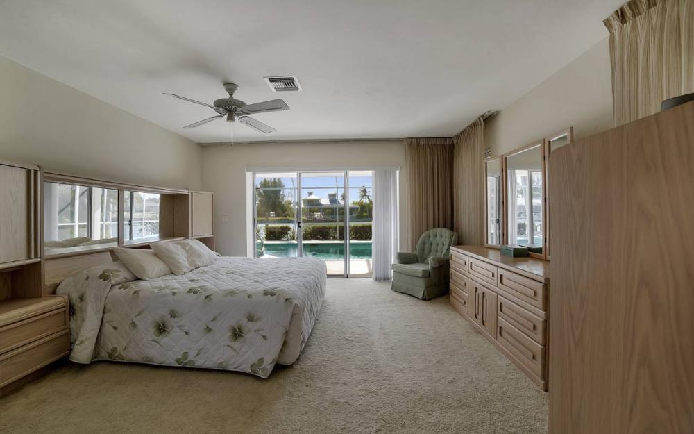 685 Cameo Ct, Marco Island - Waterfront Gulf Access Home For Sale 1006302232