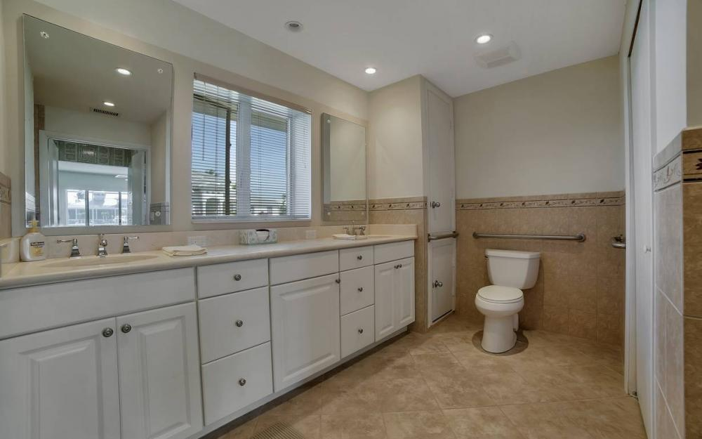 685 Cameo Ct, Marco Island - Waterfront Gulf Access Home For Sale 614182658
