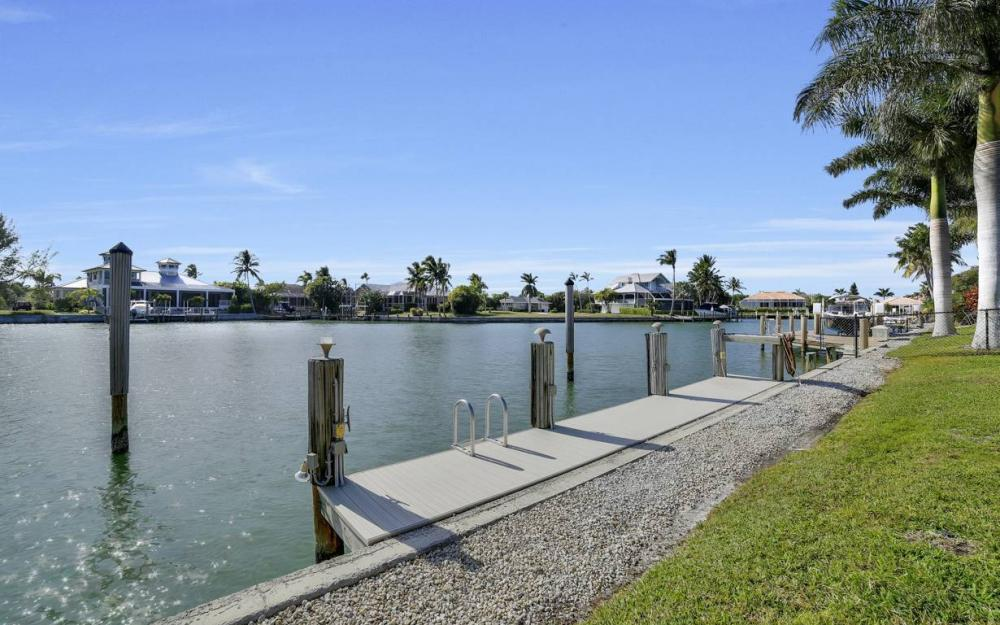 685 Cameo Ct, Marco Island - Waterfront Gulf Access Home For Sale 29235542