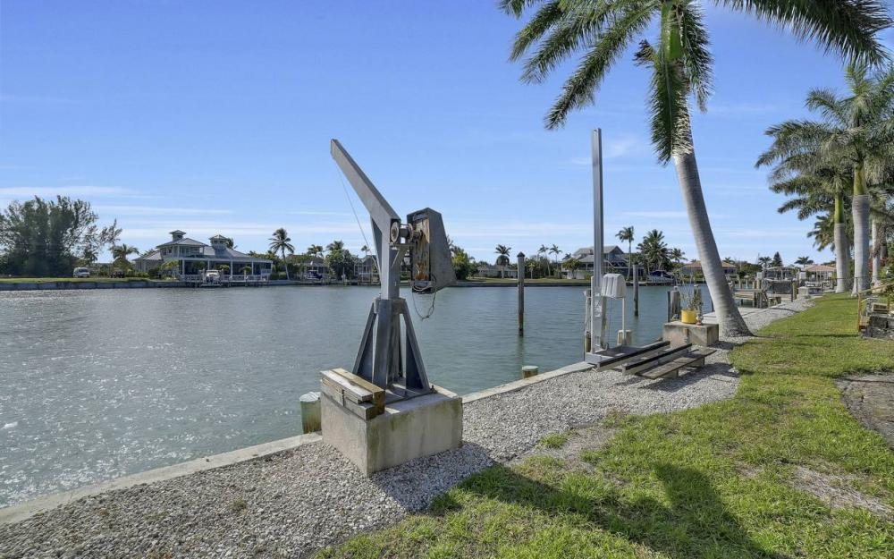 685 Cameo Ct, Marco Island - Waterfront Gulf Access Home For Sale 580478494