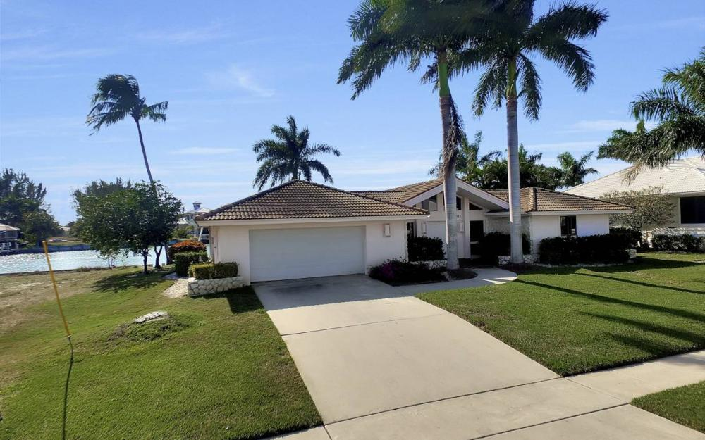 685 Cameo Ct, Marco Island - Waterfront Gulf Access Home For Sale 334214096