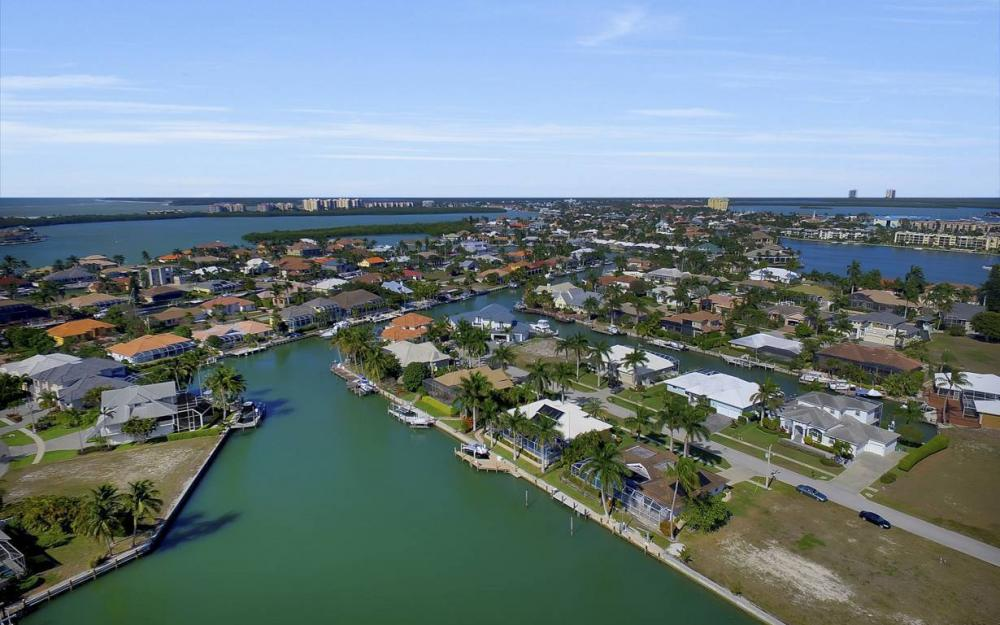 685 Cameo Ct, Marco Island - Waterfront Gulf Access Home For Sale 425125134