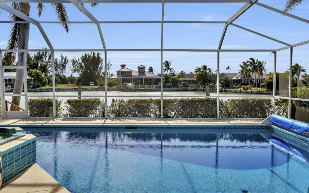 685 Cameo Ct, Marco Island - Waterfront Gulf Access Home For Sale 1955081015