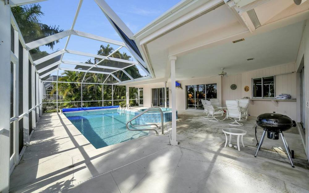 685 Cameo Ct, Marco Island - Waterfront Gulf Access Home For Sale 43213452