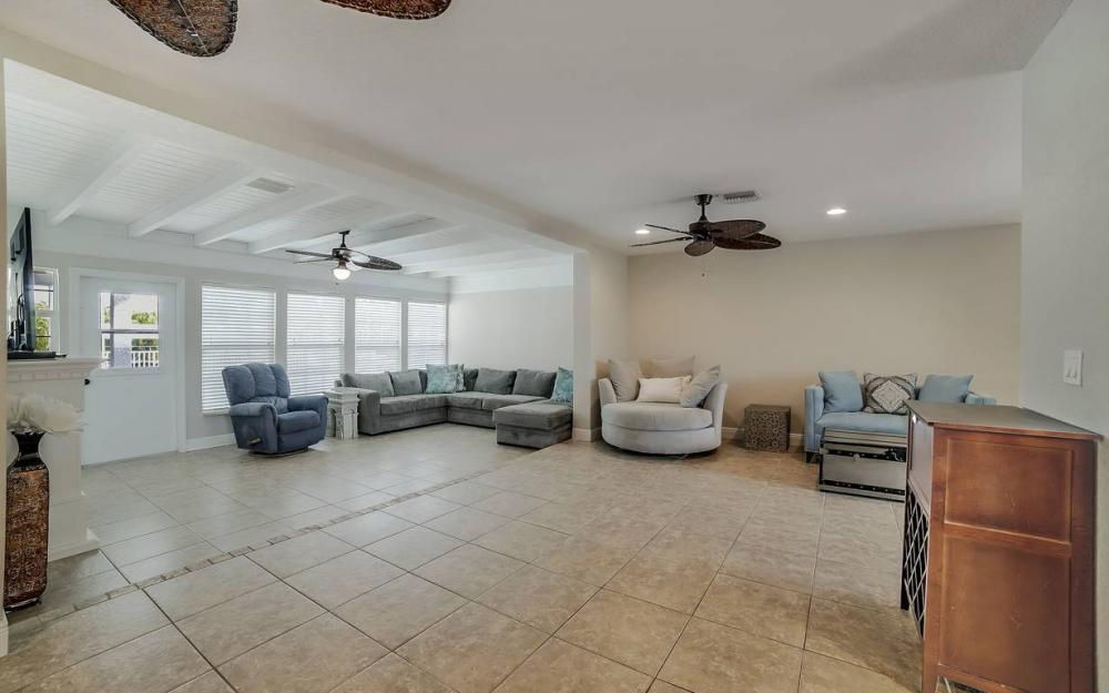 1641 SE 39th Terrace, Cape Coral - Gulf Access Waterfront Home For Sale 724945214