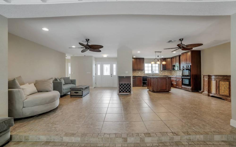 1641 SE 39th Terrace, Cape Coral - Gulf Access Waterfront Home For Sale 1538522181