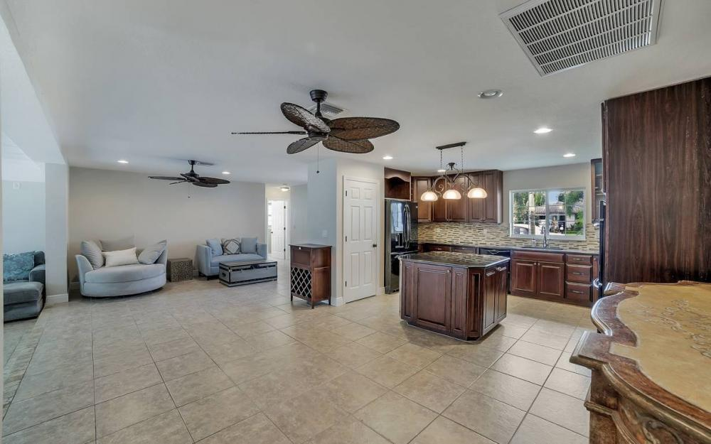 1641 SE 39th Terrace, Cape Coral - Gulf Access Waterfront Home For Sale 1292617812