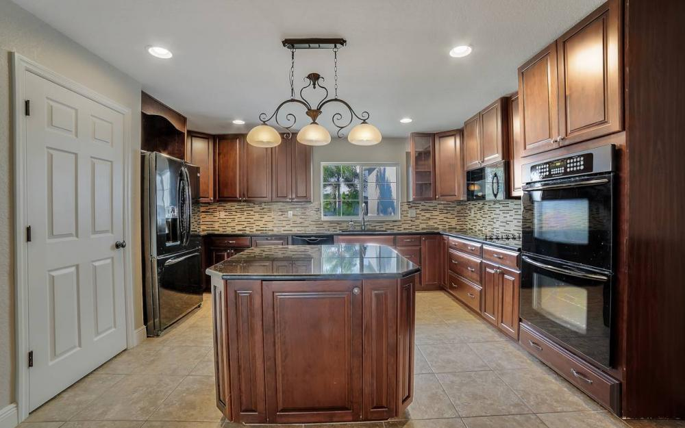 1641 SE 39th Terrace, Cape Coral - Gulf Access Waterfront Home For Sale 1462624242