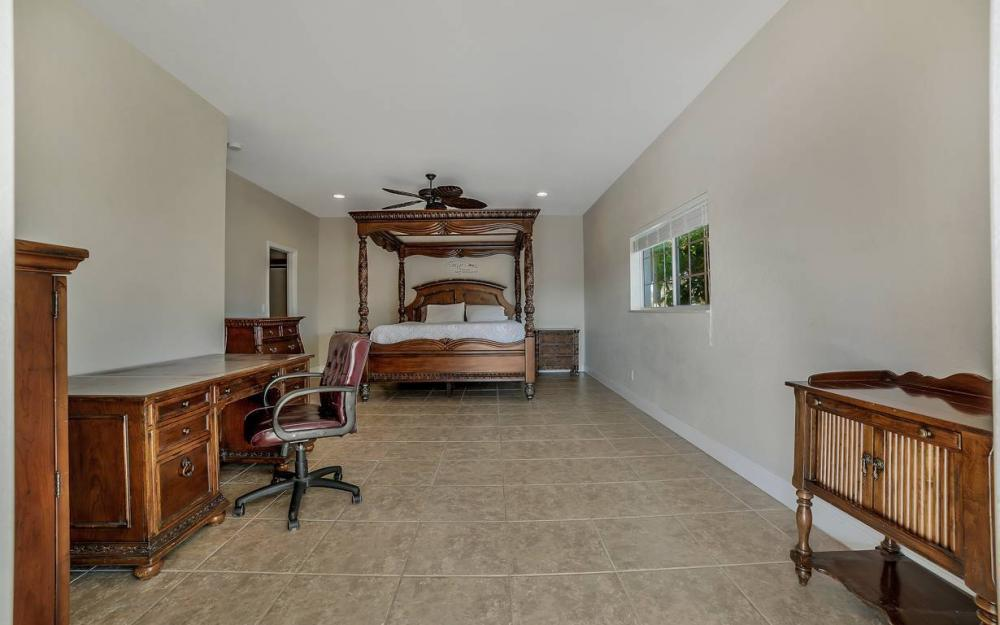 1641 SE 39th Terrace, Cape Coral - Gulf Access Waterfront Home For Sale 1791948071