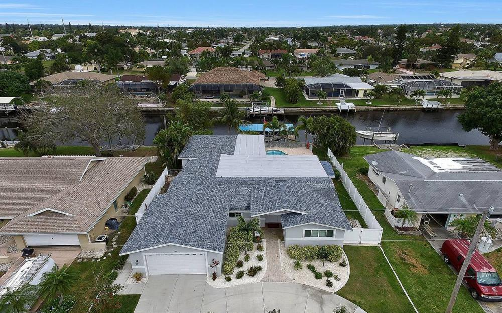 1641 SE 39th Terrace, Cape Coral - Gulf Access Waterfront Home For Sale 89545588