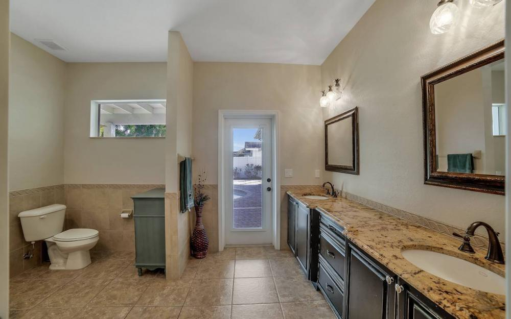 1641 SE 39th Terrace, Cape Coral - Gulf Access Waterfront Home For Sale 119896259