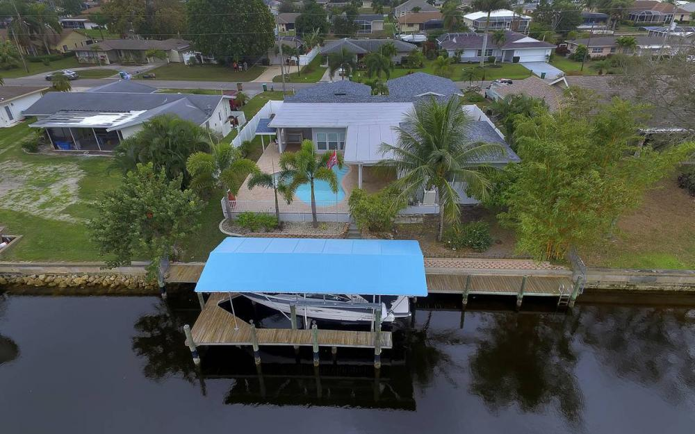 1641 SE 39th Terrace, Cape Coral - Gulf Access Waterfront Home For Sale 1727015882