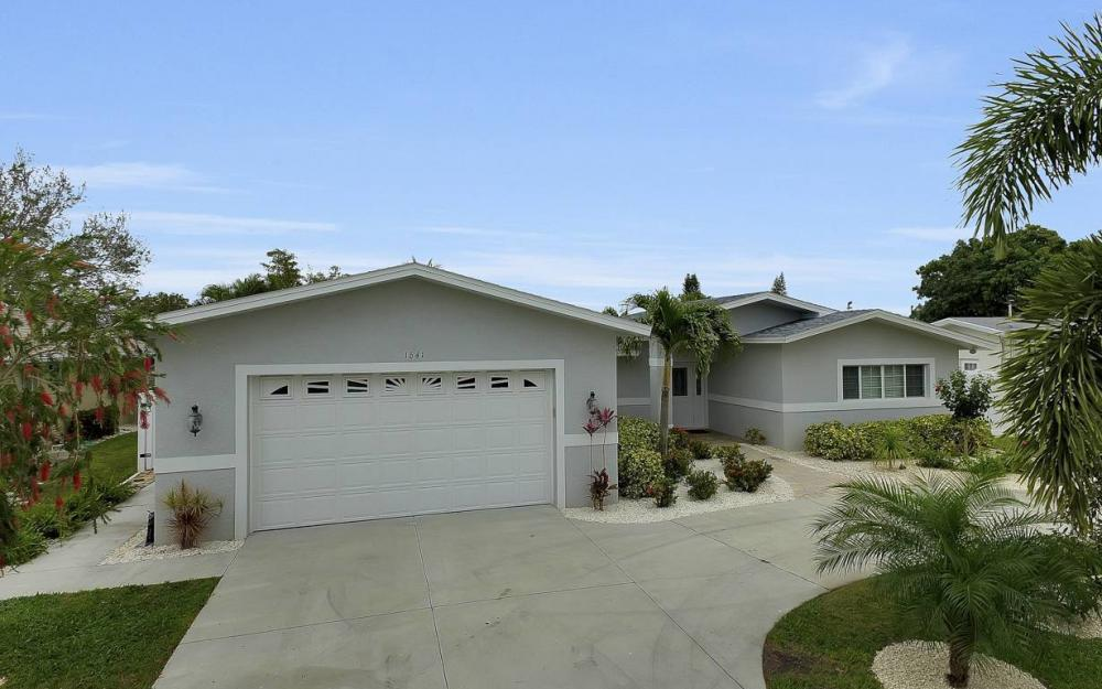 1641 SE 39th Terrace, Cape Coral - Gulf Access Waterfront Home For Sale 464265520