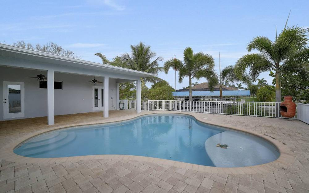 1641 SE 39th Terrace, Cape Coral - Gulf Access Waterfront Home For Sale 1992620020