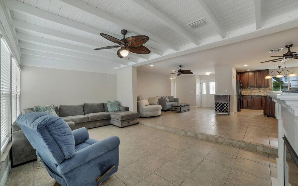 1641 SE 39th Terrace, Cape Coral - Gulf Access Waterfront Home For Sale 155522810