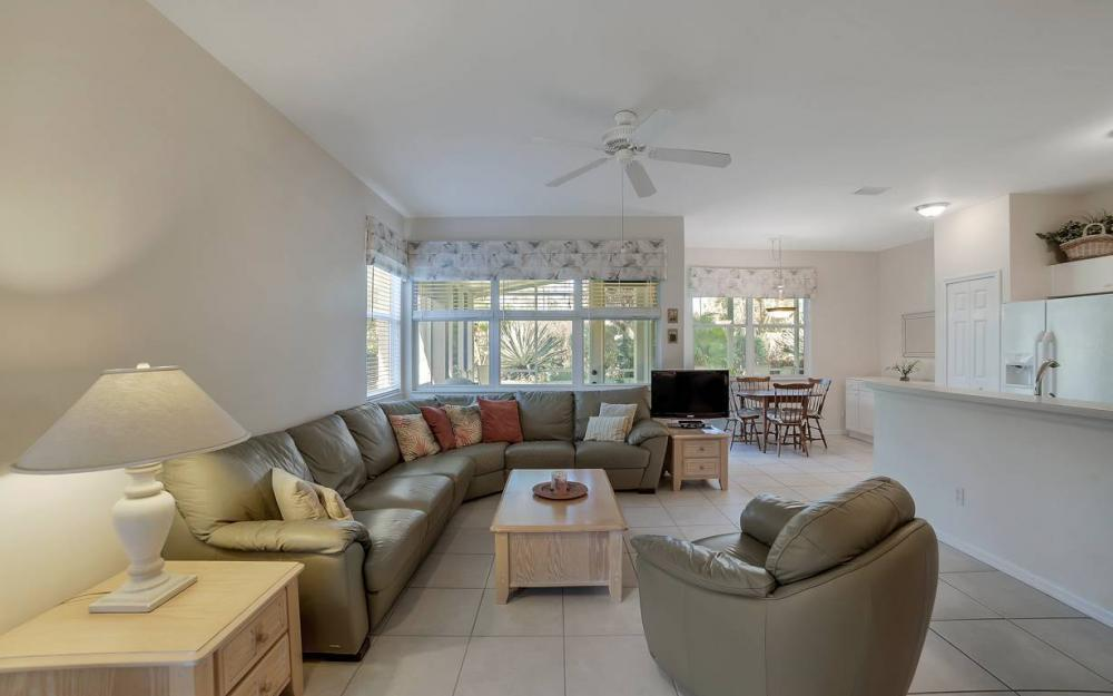 9335 Lake Abby Ln, Bonita Springs - Home For Sale 675287580
