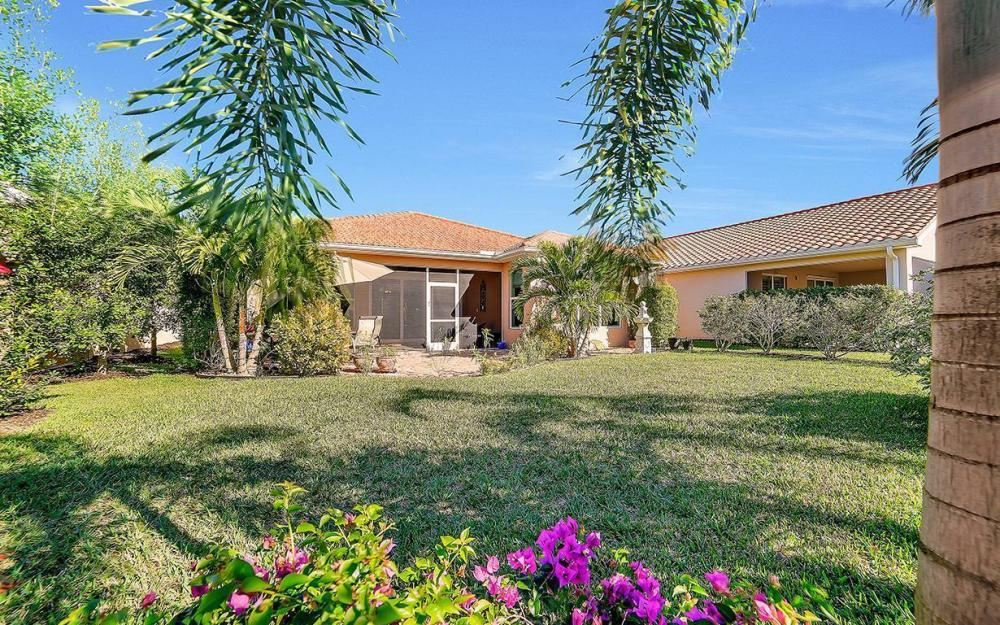 9157 Astonia Way, Fort Myers - Home For Sale 643826829
