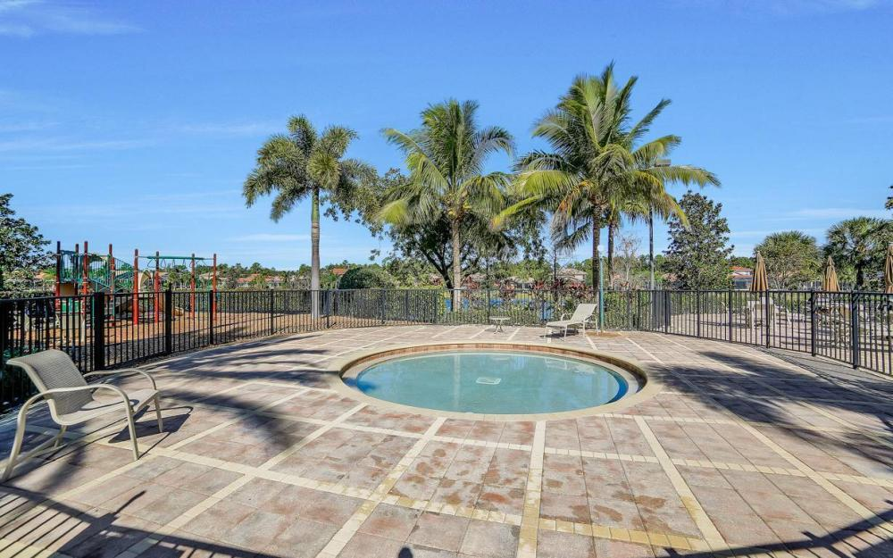 9157 Astonia Way, Fort Myers - Home For Sale 815593612