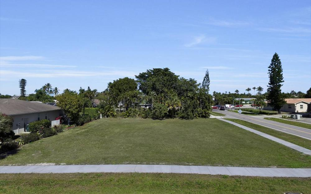 1180 Bluebird Ave, Marco Island - Lot For Sale 2115255144