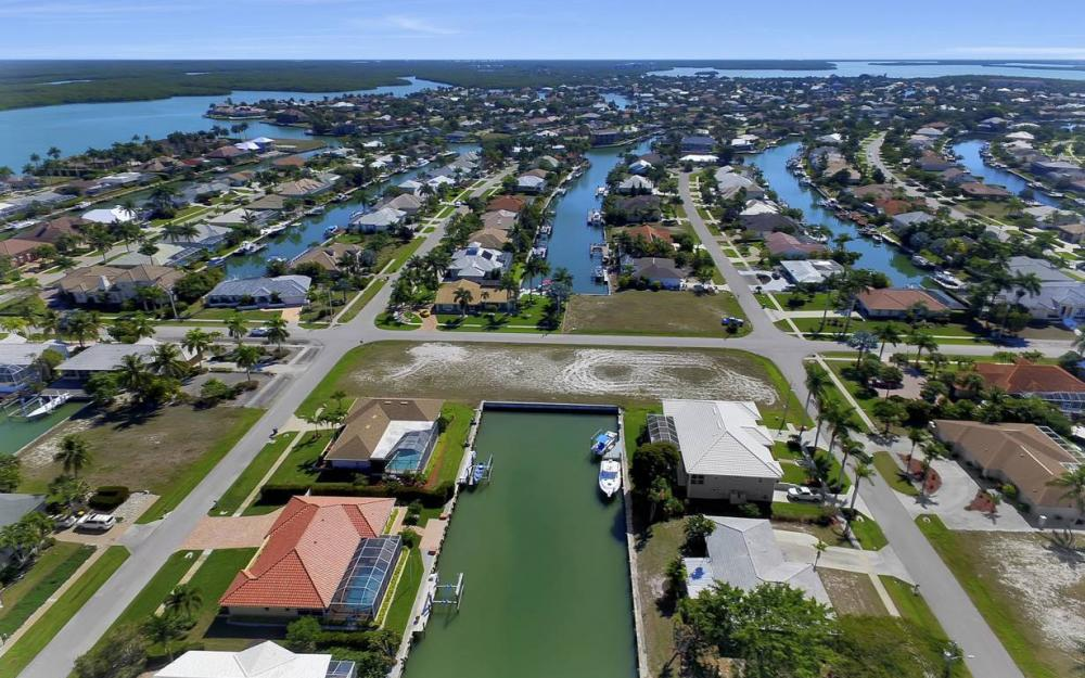 305 Grapewood Ct, Marco Island - Lot For Sale 846612269