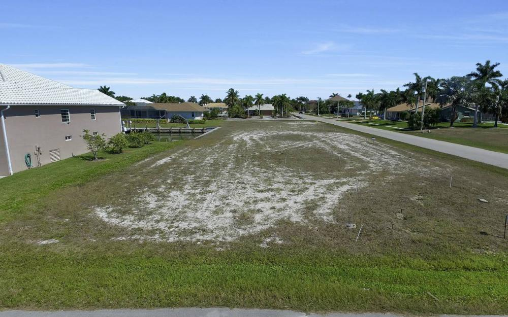 305 Grapewood Ct, Marco Island - Lot For Sale 1560671209