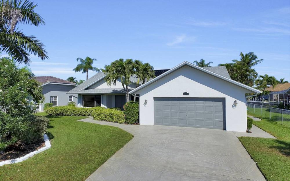 1129 SW 54th Ln, Cape Coral - Home For Sale 120181755