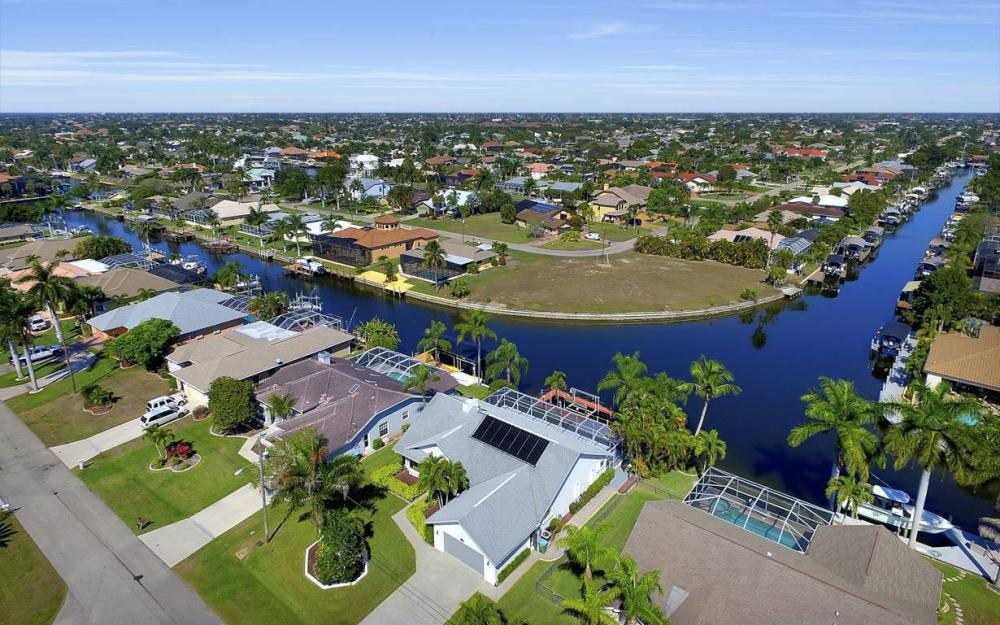 1129 SW 54th Ln, Cape Coral - Home For Sale 1686943571