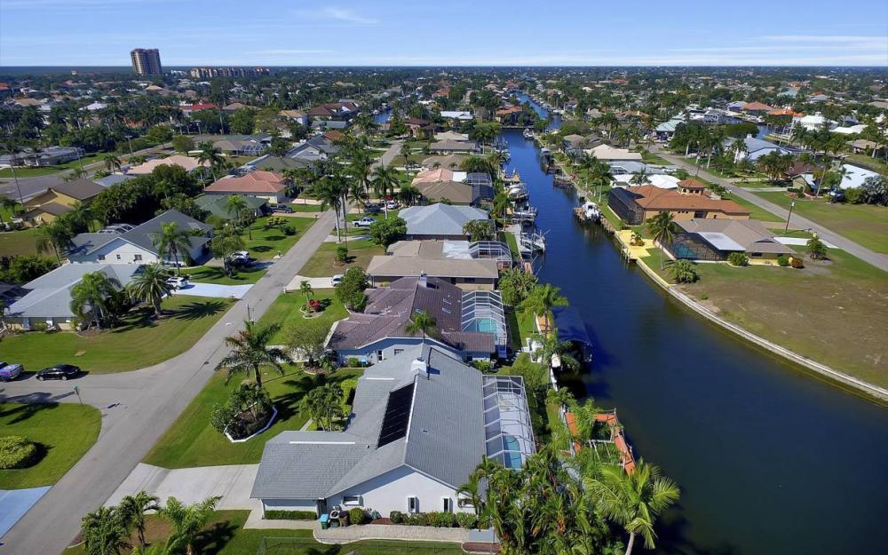 1129 SW 54th Ln, Cape Coral - Home For Sale 904285251
