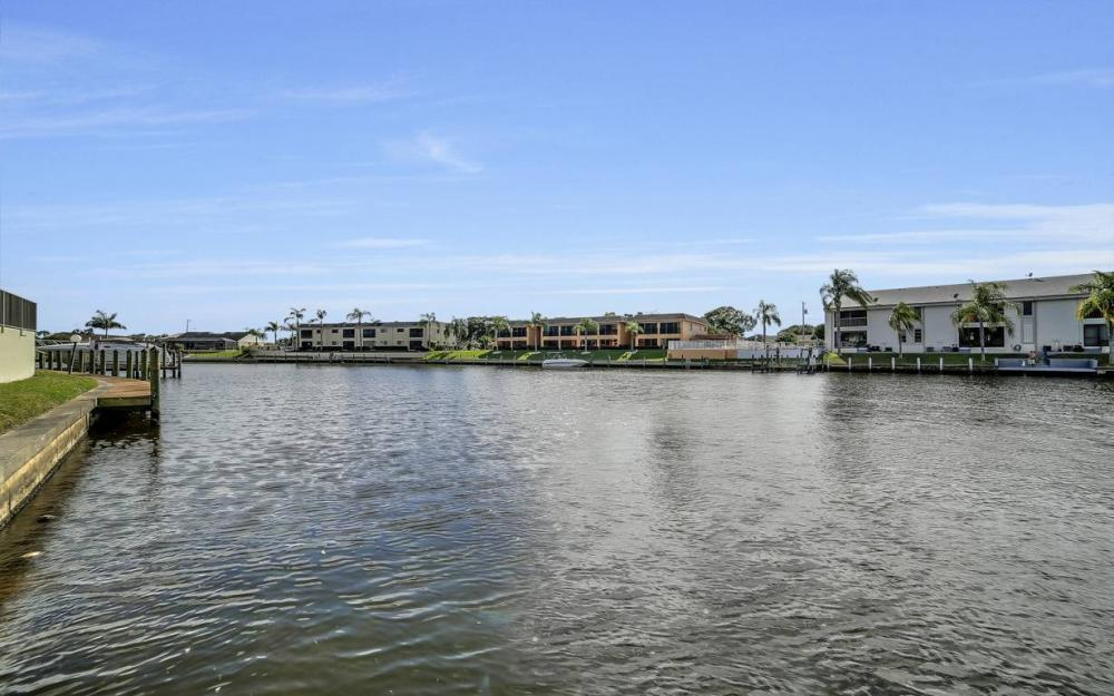 3612 SE 12th Ave, Cape Coral - Waterfront Condo For Sale 1634822283