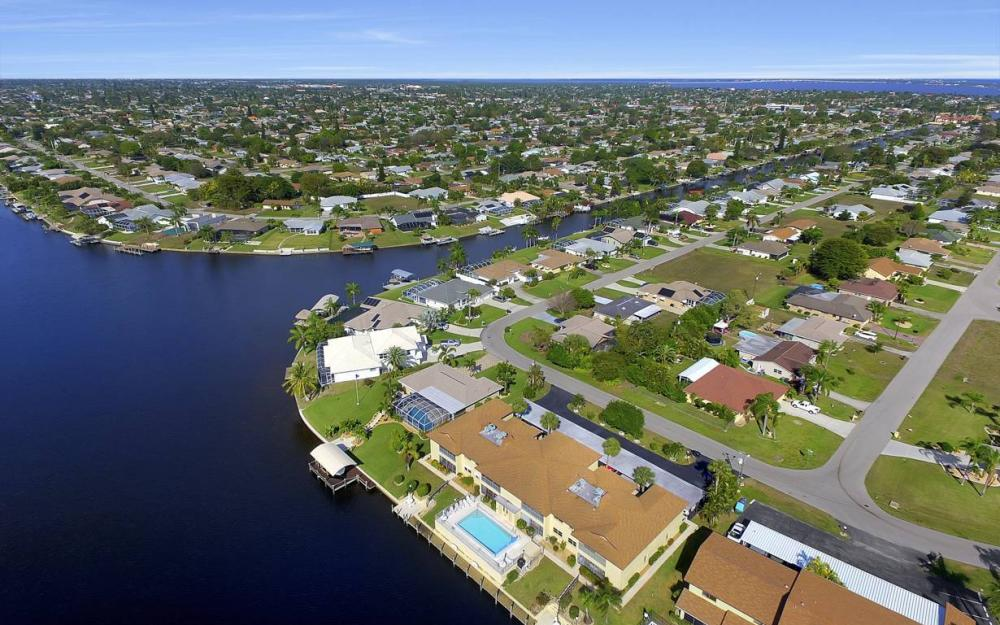 3612 SE 12th Ave, Cape Coral - Waterfront Condo For Sale 816647967