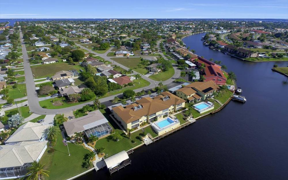 3612 SE 12th Ave, Cape Coral - Waterfront Condo For Sale 926466356
