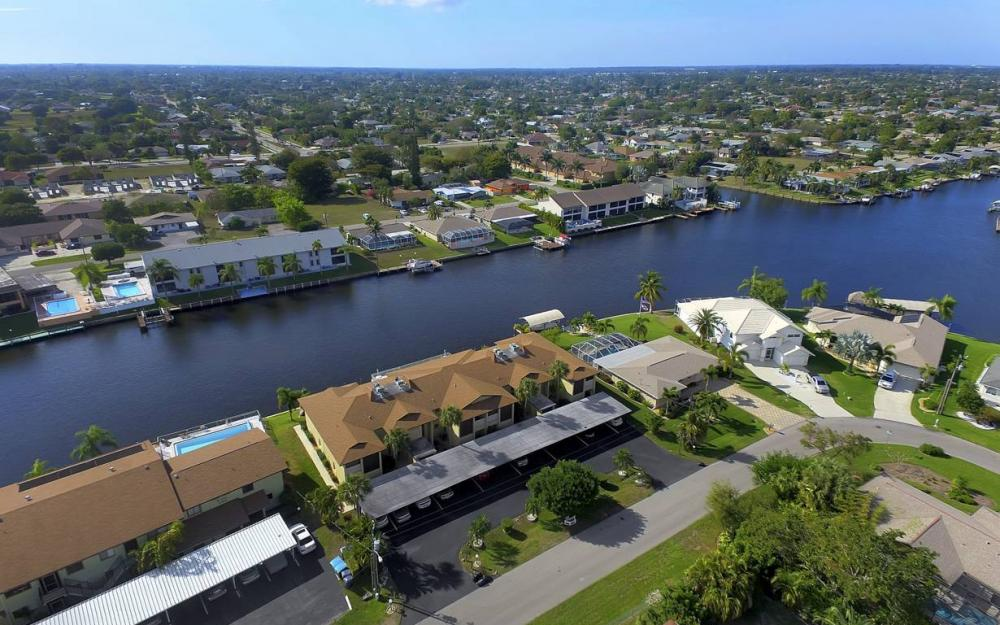 3612 SE 12th Ave, Cape Coral - Waterfront Condo For Sale 262014083