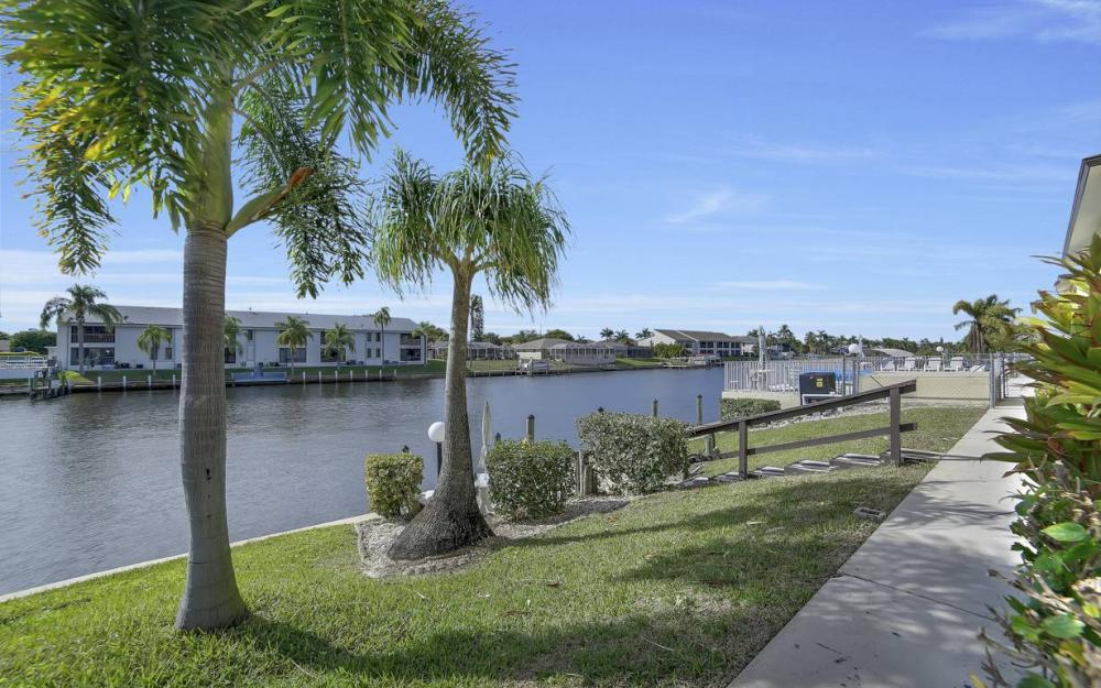 3612 SE 12th Ave, Cape Coral - Waterfront Condo For Sale 379066325