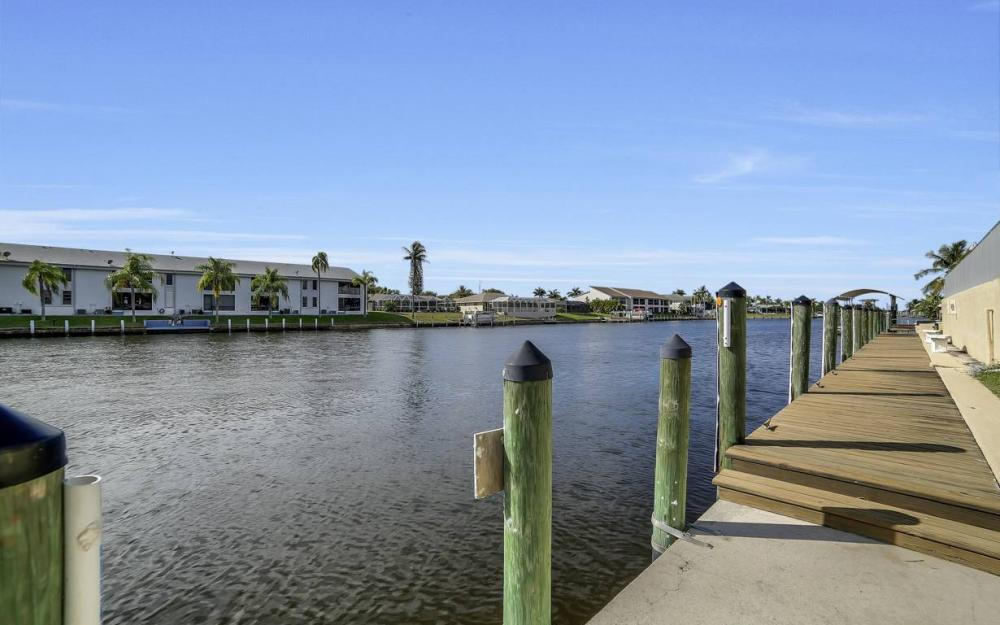 3612 SE 12th Ave, Cape Coral - Waterfront Condo For Sale 1386359396