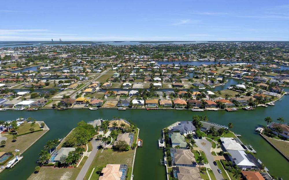 920 Moon Ct, Marco Island - Luxury Home For Sale 26440344