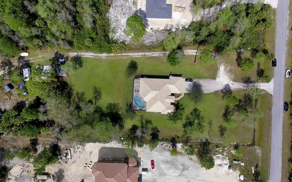 521 17th St SW, Naples - Home For Sale 88736013