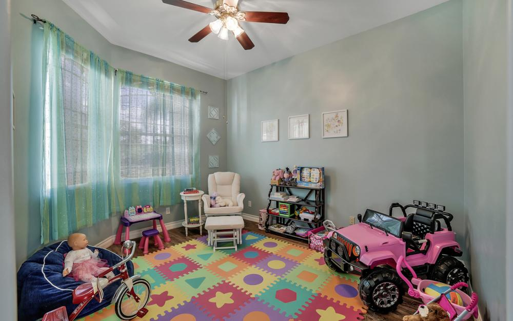 521 17th St SW, Naples - Home For Sale 509801042
