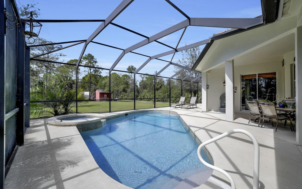 521 17th St SW, Naples - Home For Sale 78383888