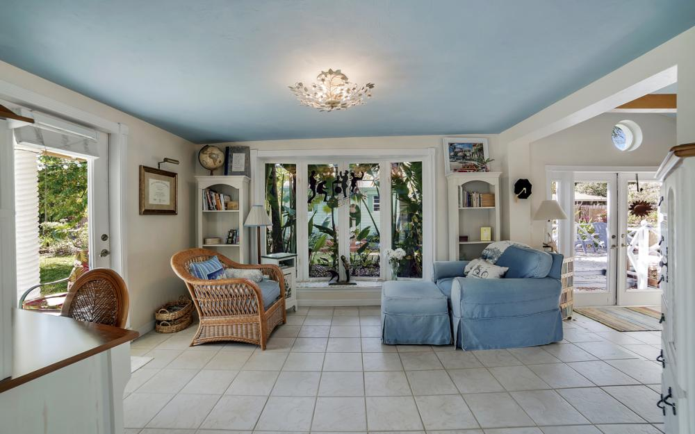 5445 Winkler Rd, Fort Myers - Home For Sale 541552787