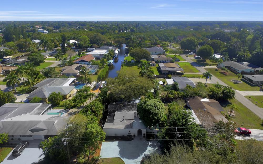 5445 Winkler Rd, Fort Myers - Home For Sale 249781133