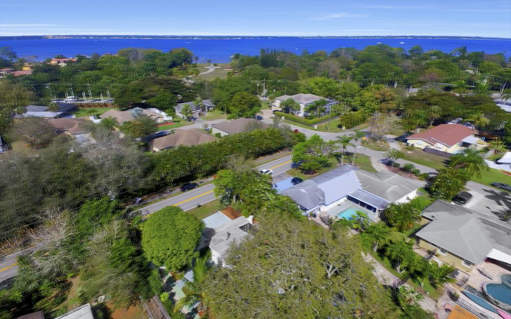 5445 Winkler Rd, Fort Myers - Home For Sale 747050139