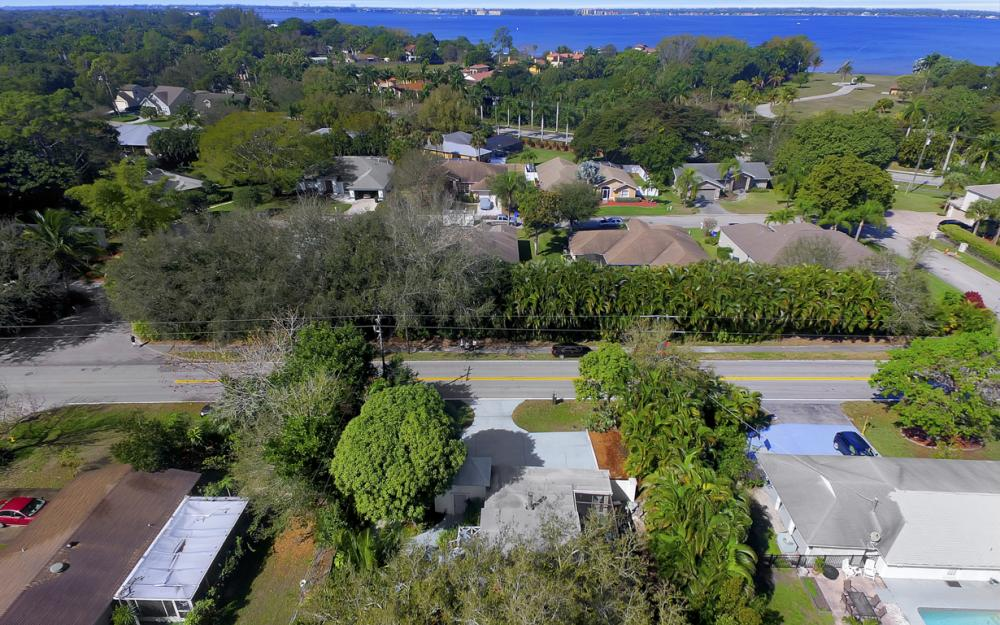 5445 Winkler Rd, Fort Myers - Home For Sale 1890939082