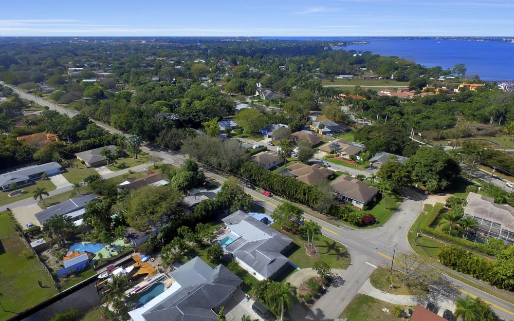 5445 Winkler Rd, Fort Myers - Home For Sale 1924231805