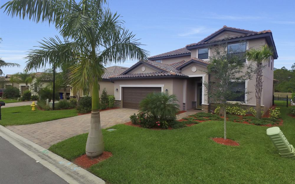 9509 River Otter Dr, Fort Myers - Home For Sale 1999094835