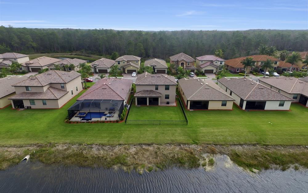 9509 River Otter Dr, Fort Myers - Home For Sale 619298915