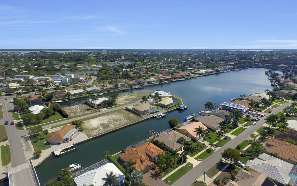 375 Capistrano Ct, Marco Island - Home For Sale 498181254