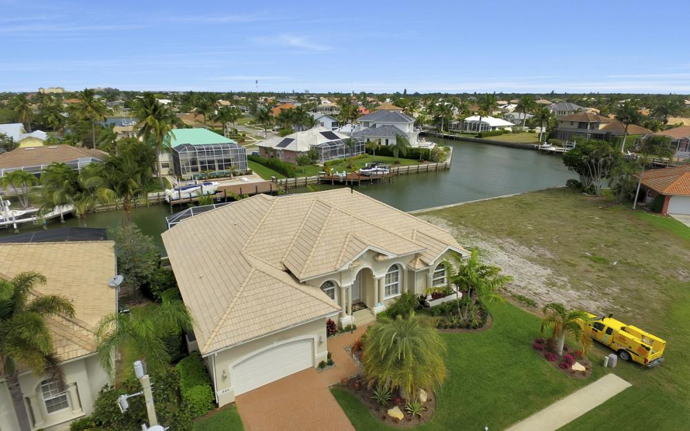 940 Beaver Ct, Marco Island - Home For Sale 1814154109