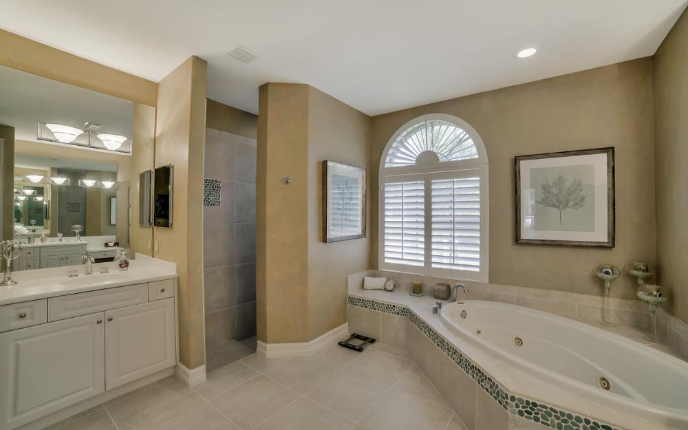 940 Beaver Ct, Marco Island - Home For Sale 383502235
